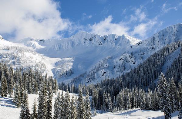 Whitewater ski hill