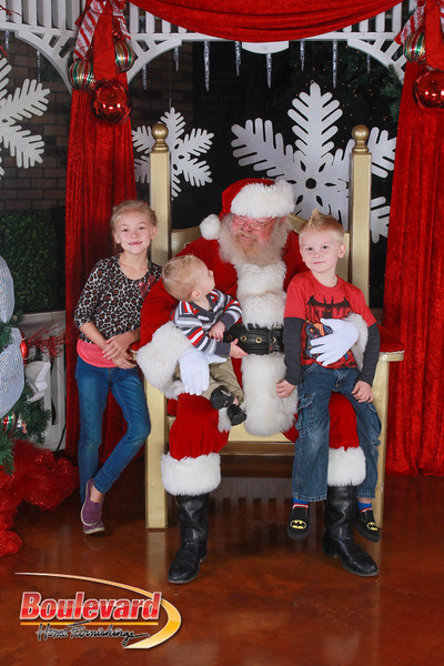 Santa 12-17-16-101.jpg