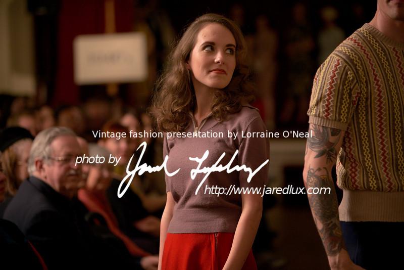vintage_fashion_show_09_f3910728.jpg