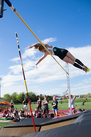 JV Pole Vaulting
