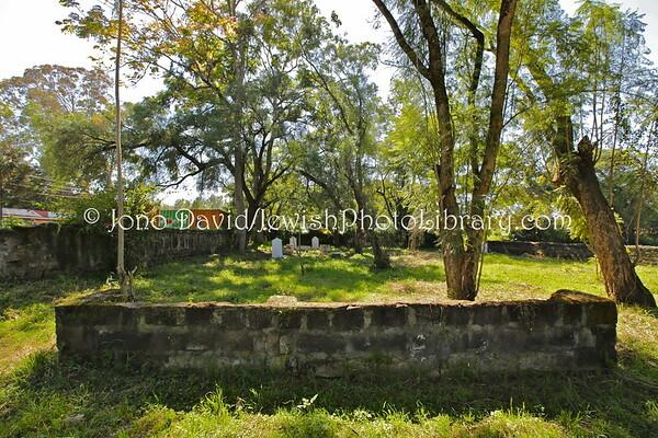 KENYA, Nakuru. Nakuru Jewish Cemetery (8.2013)