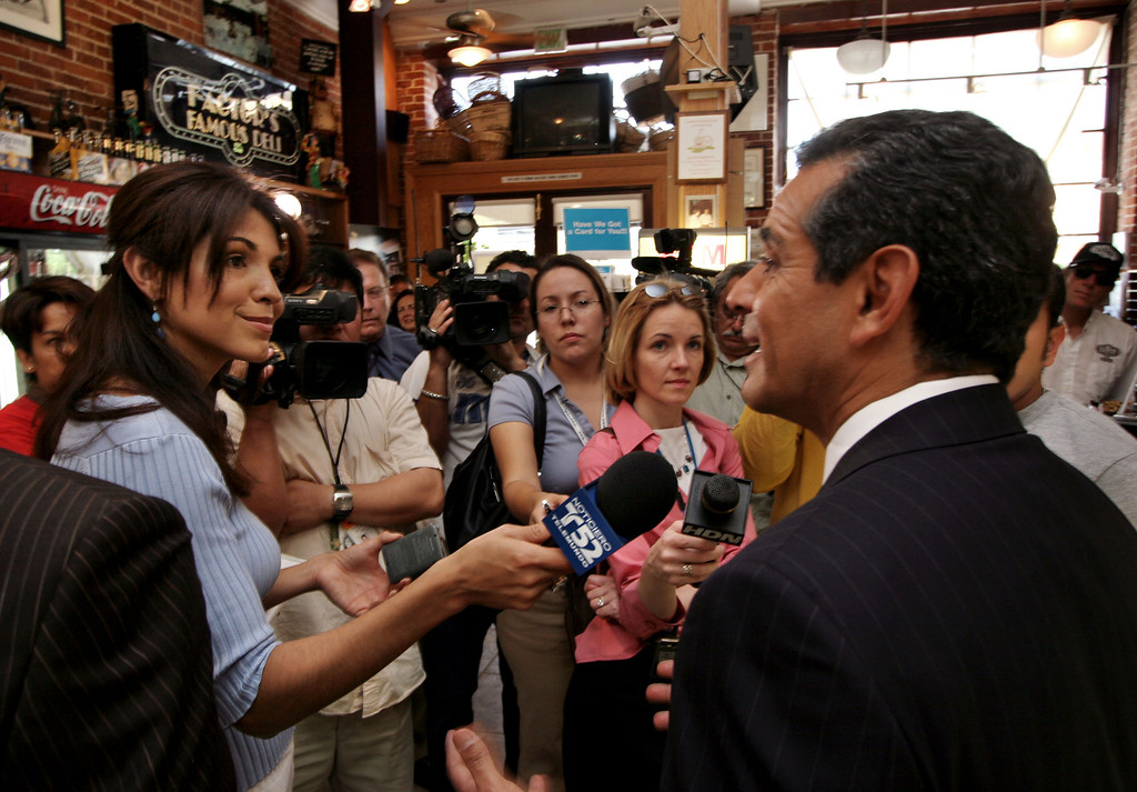 . Los Angeles City Councilman Antonio Villaraigosa is interviewed by reporter Mirthala Salinas of Telemundo and other reporters at Factor\'s Famous Deli in Los Angeles two days after winning the Los Angeles mayor\'s race by beating the incumbent James Hahn in Los Angeles, Tuesday, May 19, 2005.  Villaraigosa will take office on July 1, and will be the city\'s first Hispanic mayor in 130 years. (Photo by David Hume Kennerly/Getty Images)