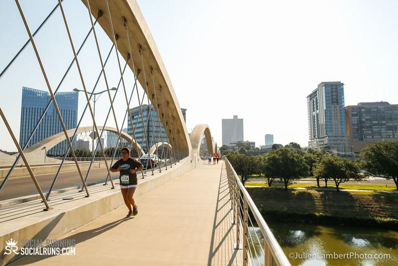 Fort Worth-Social Running_917-0321.jpg