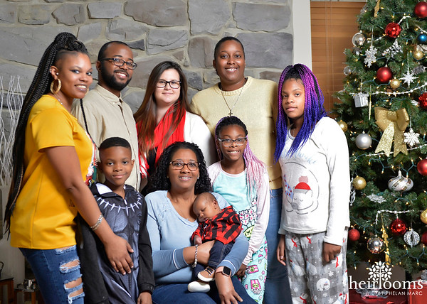 Desarie's Family 2018 Holiday Shoot