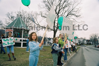 2004 NEW MILFORD SUPPORT SCHOOL BUDGET RALLY