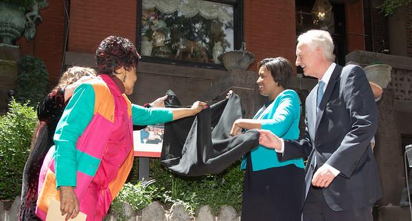 DC Mayor Bowser Unveils Rosa Parks Plaque at Ceremony (5/31/19)