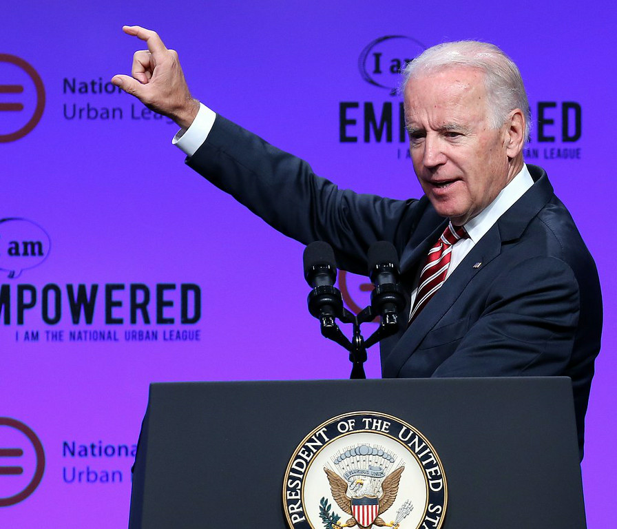". 3. JOE BIDEN <p>Unapologetic skinny dipper wants to be your next president. Destined to come up very short. (unranked) </p><p><b><a href=""http://www.nydailynews.com/news/politics/vice-president-biden-loves-skinny-dipping-new-book-article-1.1887901\"" target=\""_blank\""> LINK </a></b> </p><p>    (AP Photo/The Cincinnati Enquirer, Cara Owsley)</p>"