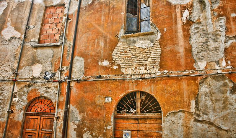 italianwall.jpg