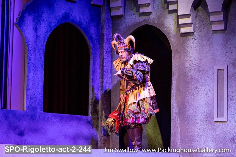 SPO-Rigoletto-act-2-244.jpg