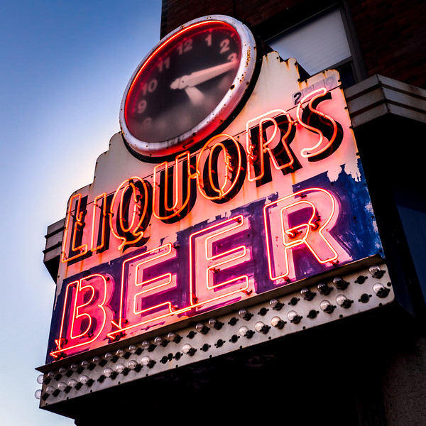 Liquors and Beer on University Ave