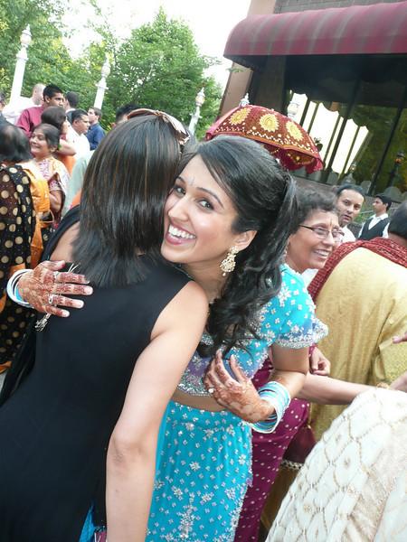 mana wedding hugging lina.