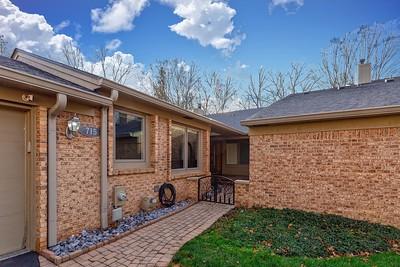 715 Arbor Ct, Bloomfield Hills, MI