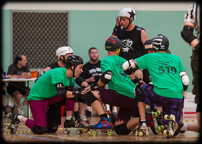 Roller Derby: Bout of the Living Dead - H*A*R*D vs S2D2