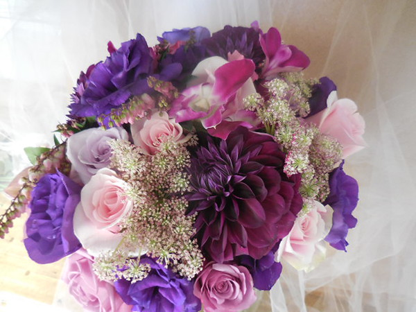 Dahlias, roses, orchids Queen Anne's lace,Lisianthus, pieri, $135