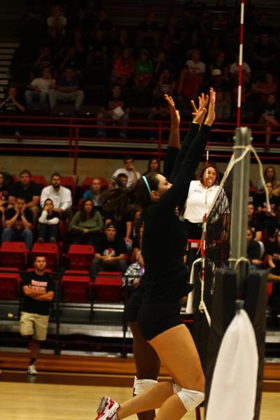 GWU vball vs. WCU 09-20-2011-59.jpg