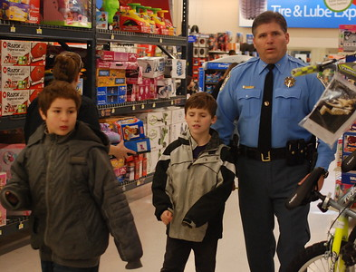 St. Mary's County - Shop with a Cop 2008