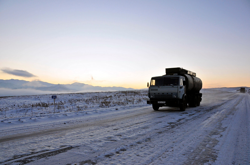 081217 711 Armenia - Yerevan - Assessment Trip 03 - Drive from Meghris to Yerevan ~R.JPG
