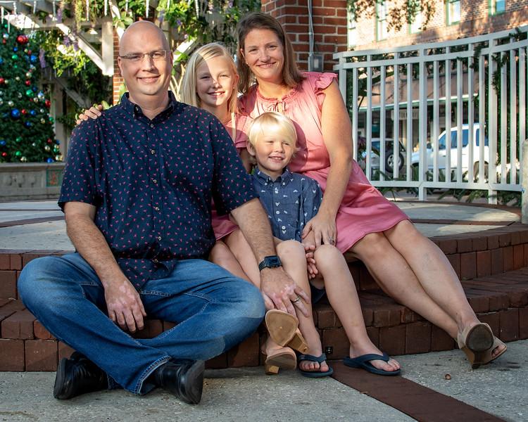 McRae family VI cropped.jpg