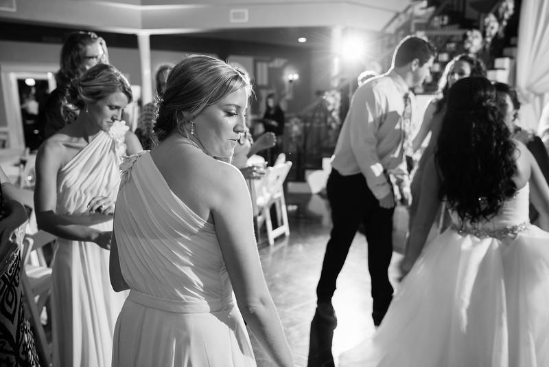 1061_Josh+Lindsey_WeddingBW.jpg