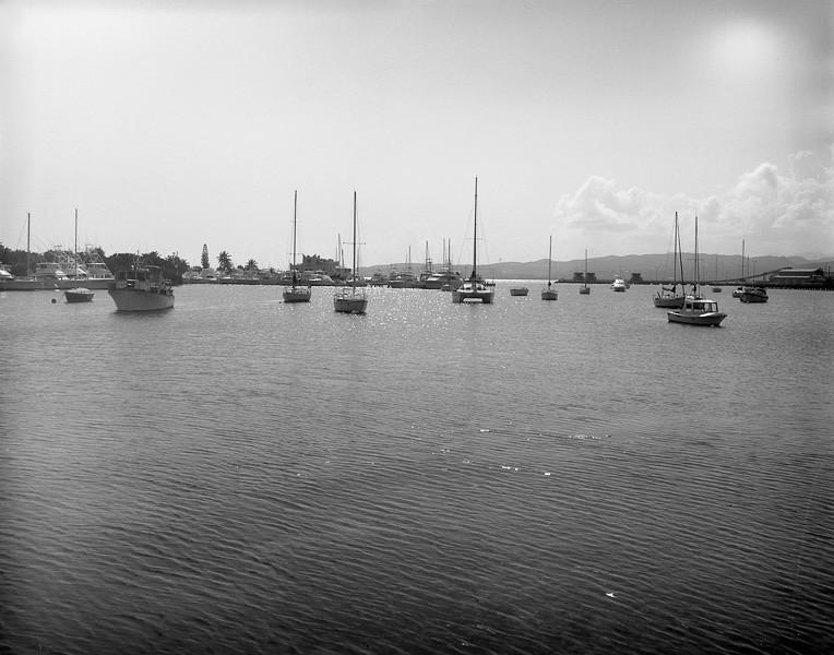 01_wharf_boats.jpg
