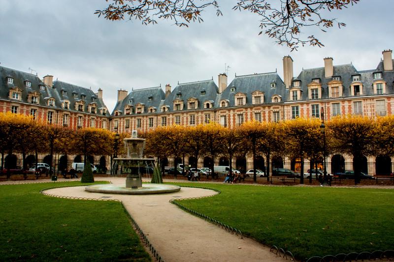 Paris-PlaceDesVosges-IMG_8972.jpg