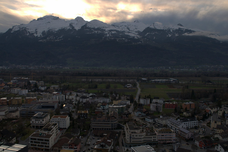 Liechtenstein Vaduz at sunset.jpg