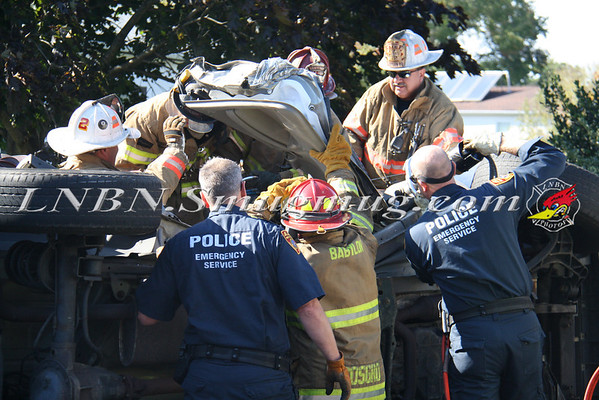 Babylon F.D. Overturned Auto w/ Entrapment Litchfield Ave & Park Ave 9-25-12