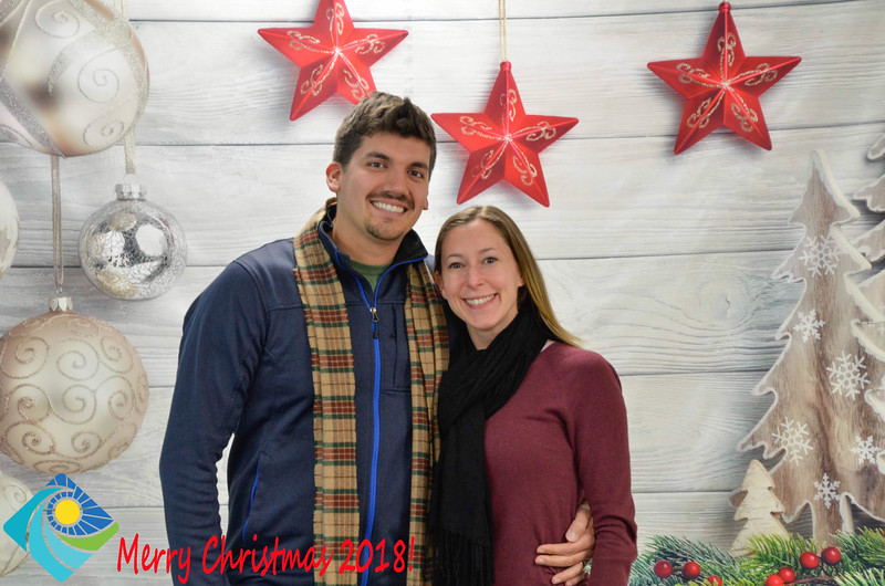 Christmas Photobooth 2018-043_01.jpg
