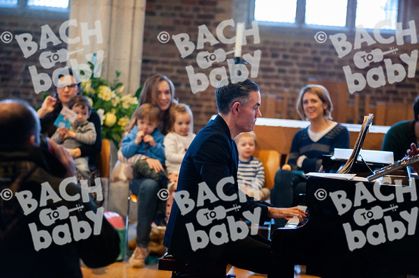 ©Bach to Baby 2019_Laura Woodrow_Putney_2019-30-11_ 4.jpg