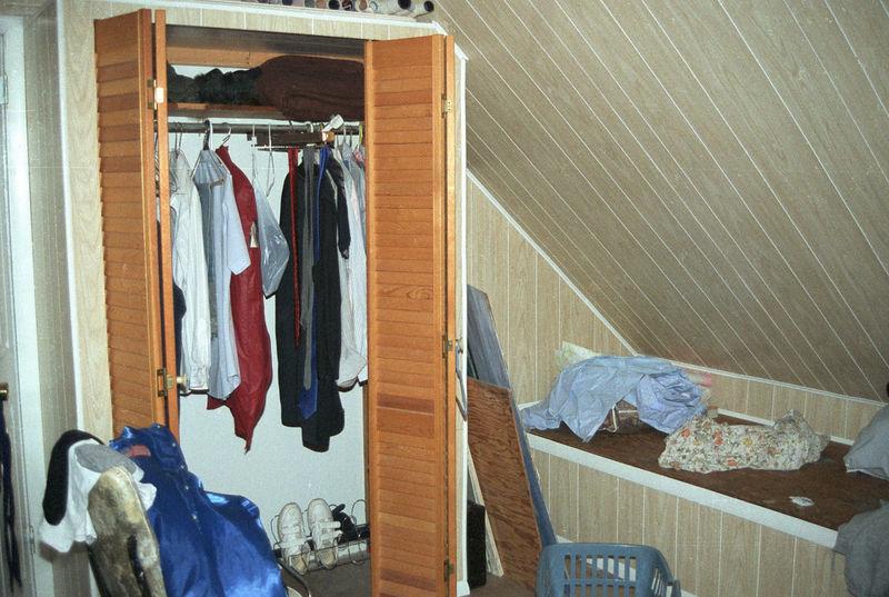 1992 04 26 - Old Bedroom 05.jpg