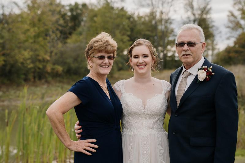rustic_ohio__fall_barn_wedding-254.jpg