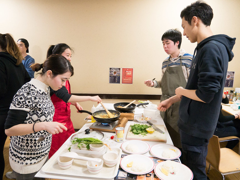 Cooking class with YIS Seniors-1000652.jpg