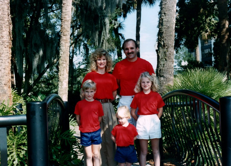 1989_December_Christmas_picture_sessions_in_orlando_0003_a.jpg