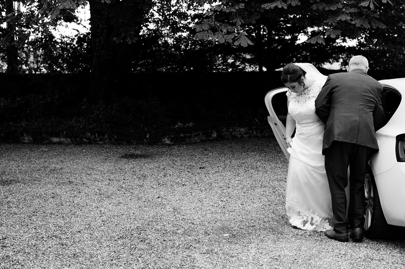 wedding-photographer-bride-prioryhall-suffolk-(15).jpg