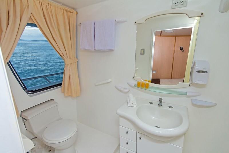 yolita-bathroom.jpg