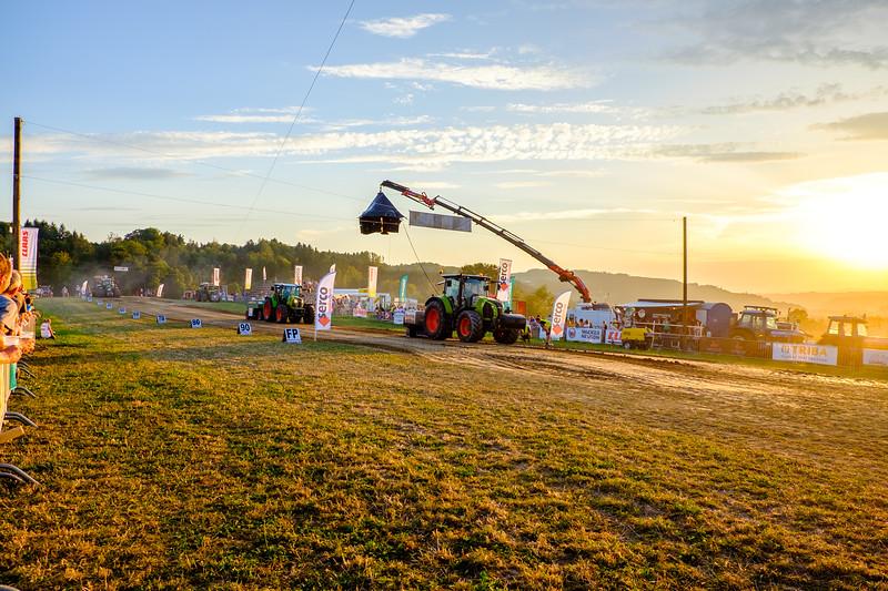 Tractor Pulling 2015-1992.jpg