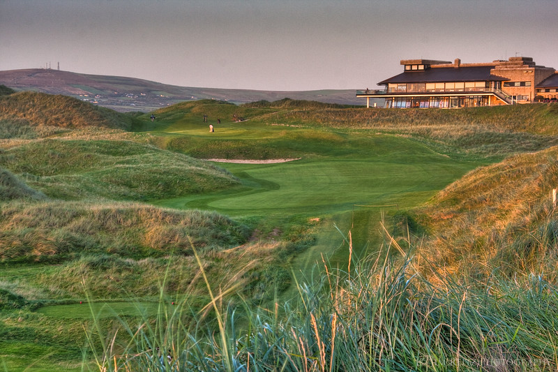 The 18th hole and clubhouse at Ballybunion.