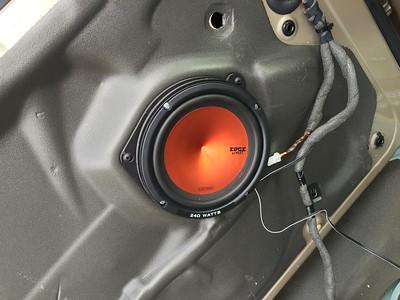 2002 Jaguar X-Type 2.0 Speaker Installation - USA