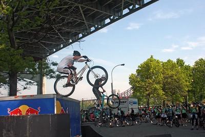 BICYCLE STUNT SHOW