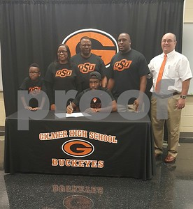 gilmers-morton-signs-with-oklahoma-state