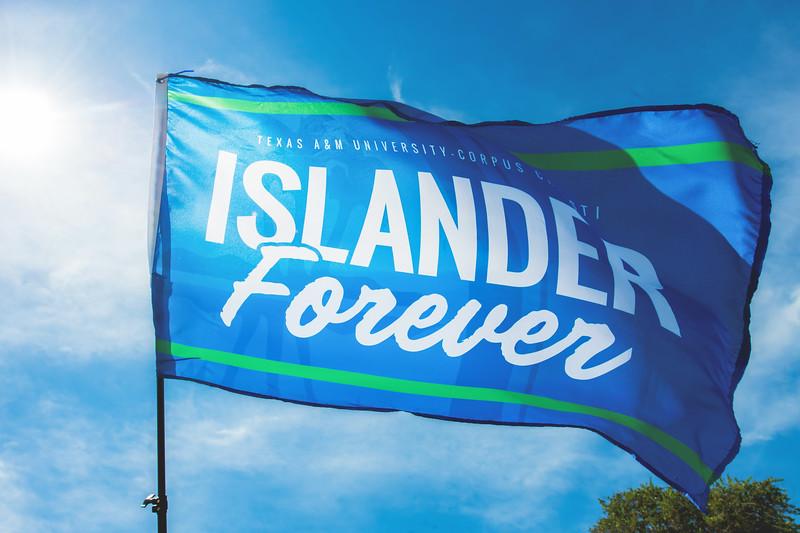 042517_IslanderForever-Flag-6436.jpg