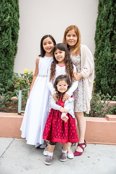 180520 Emmas 1st Communion-13.jpg