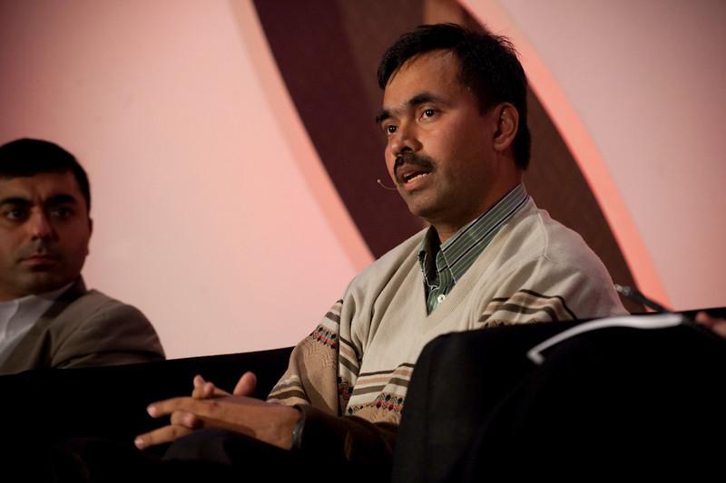 CTO Design Challenge II: Panel leader Chetan Sharma (R), President, Chetan Sharma Consulting; and Sajal Sahay, Executive Director Marketing, Devices Innovation, T-Mobile USA