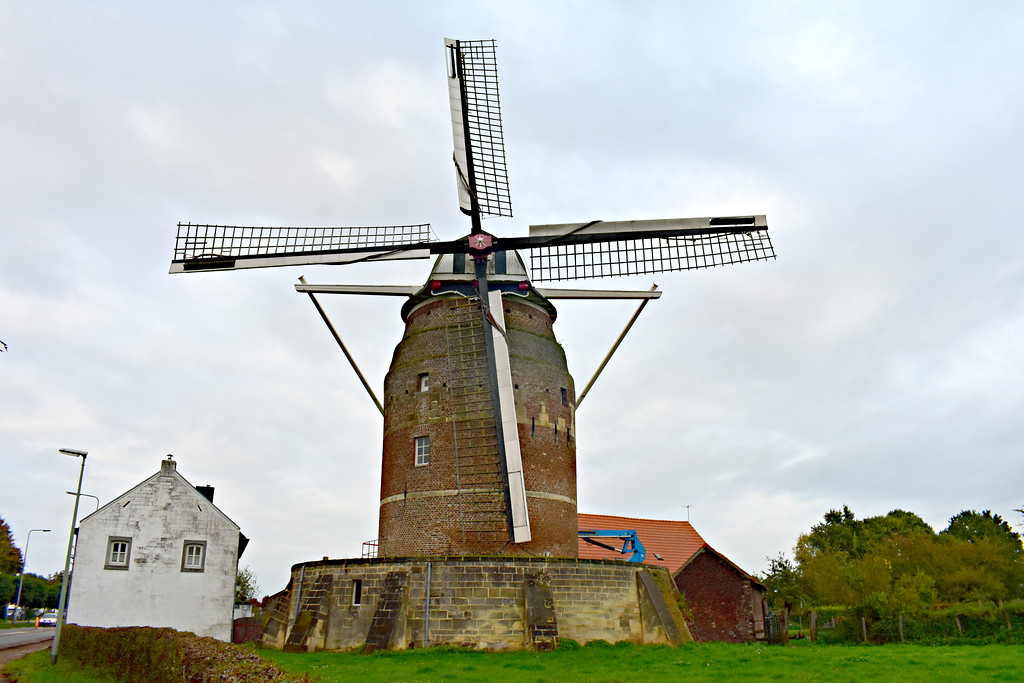 Tower Mill Of Gronsveld Maastricht Limberg The Netherlands