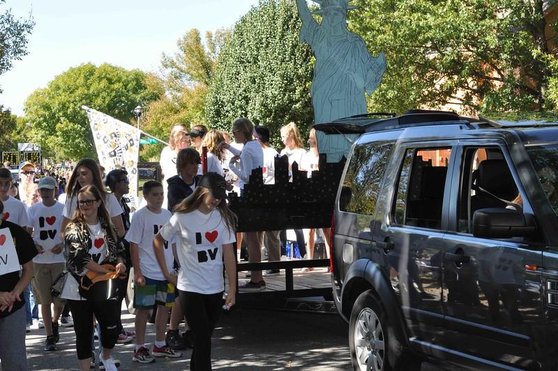 BVHS_Parade_2015-0513.jpg