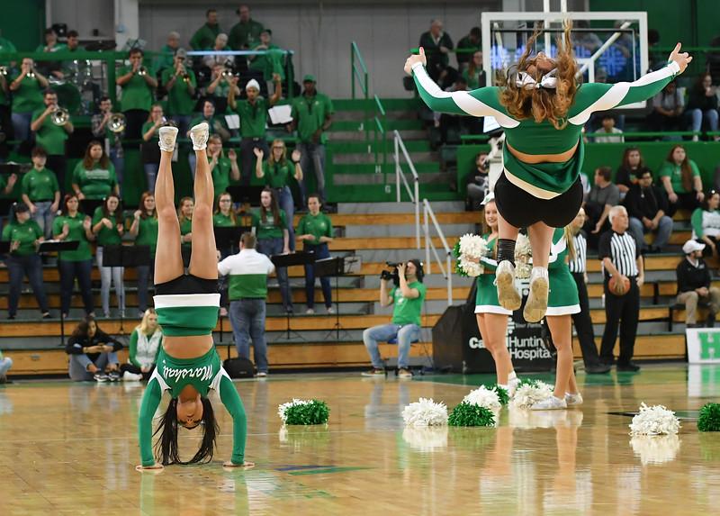 cheerleaders8307.jpg