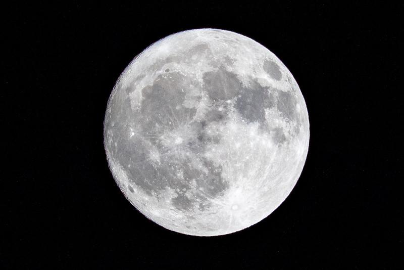 moon 181023204004 5964.jpg