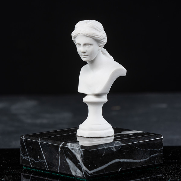 Statue-10-532.jpg