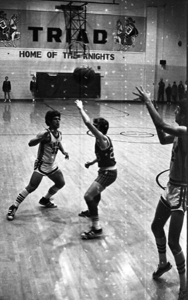 THS Basketball.75-2