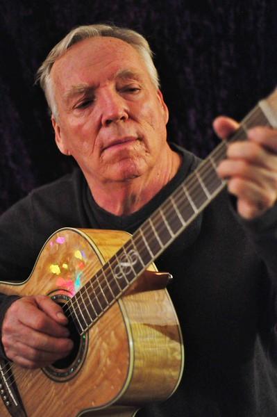20140111 GARY guitar.JPG